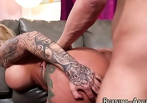 Busty alt tow-headed riding