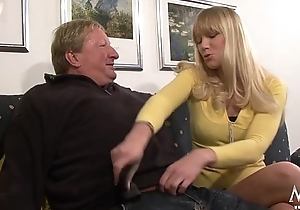 Horny blonde babe in arms does old guy a favour