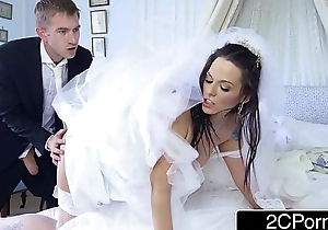 Busty Hungarian Bride-to-be Simony Diamond Fucks Her Husband'_s Best Man