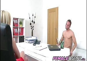 Horny New Agent Loves Studs Cock - Vinna Reed